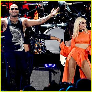 Flo Rida Performs Medley with Bebe Rexha at Teen Choice Awards (Video)