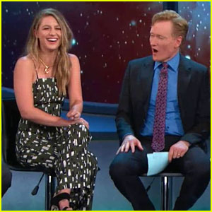 Melissa Benoist Smoulders With Grant Gustin & Stephen Amell on 'Conan' From Comic-Con