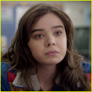 Hailee Steinfeld Stars in 'The Edge of Seventeen' Trailer - Watch Now!
