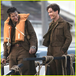 Harry styles cillian murphy chat during downtime on dunkirk harry styles cillian murphy chat during downtime on dunkirk freerunsca Choice Image