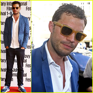 Jamie Dornan Goes Casual for 'Anthropoid' Photo Call