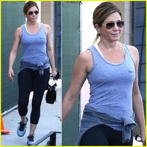Jennifer Aniston Gets Pampered at Nine Zero One Salon