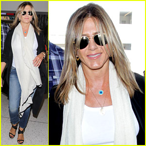 Jennifer Aniston Steps Out Smiling After Releasing Her Essay