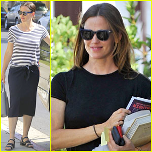 Jennifer Garner Goes to Church with Ben Affleck's Mom