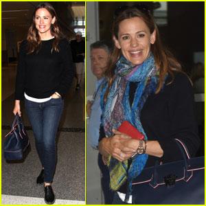 Jennifer Garner Jets to France on Anniversary of Split With Ben Affleck