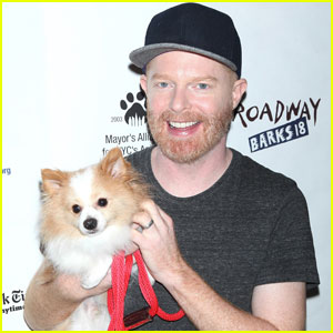 Jesse Tyler Ferguson Gets a Visit From Zach Braff Before Final 'Fully Commited' Show