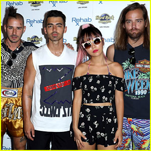 Joe Jonas Shows Off More Shirtless Photos