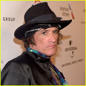 Aerosmith's Joe Perry Rushed to Hospital During Hollywood Vampires Show