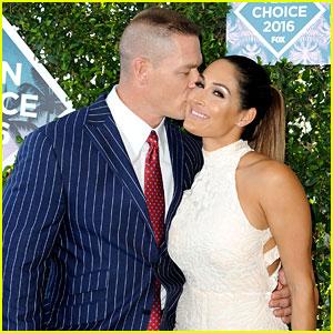 John Cena & Girlfriend Nikki Bella Kiss on Teen Choice Awards 2016 Red Carpet!