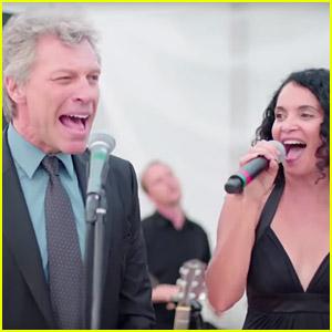 Jon Bon Jovi Joins Wedding Singer for 'Livin' on a Prayer' (Video)