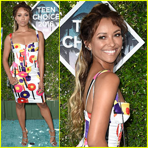 Kat Graham Shows Some Blonde at Teen Choice Awards 2016