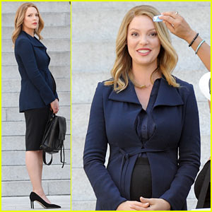Pregnant Katherine Heigl Doesn't Hide Baby Bump for 'Doubt'