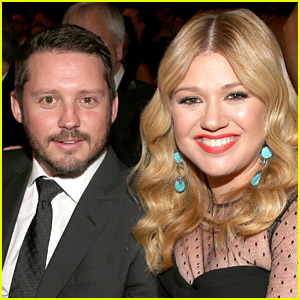 Kelly Clarkson Shares Adorable New Photos of Her Two Kids!