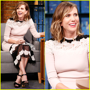 Kristen Wiig & Seth Meyers Clear The Air In Hilarious Sketch!