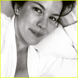 Liv Tyler Shares Intimate Photo Breastfeeding Newborn Daughter Lula