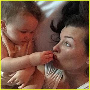 Milla Jovovich Shares a Smooch with Daughter Dashiel!