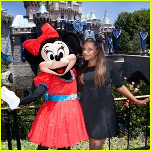 Mindy Kaling Takes 'The Mindy Project' Crew to Disneyland