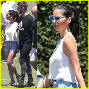 Olivia Munn Visits Boyfriend Aaron Rodgers at Work!