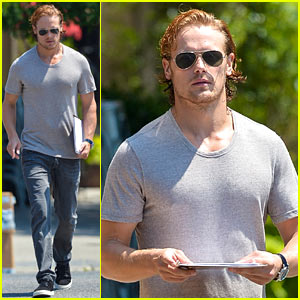 Sam Heughan Holds Twitter Q&A While Delayed at the Airport!