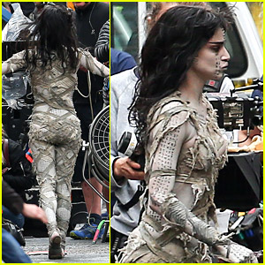 Sofia Boutella Films 'The Mummy' in Full Costume & Makeup!