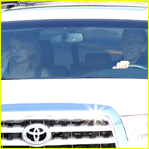 Taylor Swift & Tom Hiddleston Catch Flight Out of Rhode Island