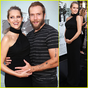 Teresa Palmer Gets Support From Hubby Mark Webber At 'Light's Out' Premeire!