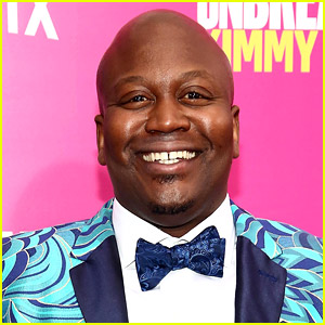 Tituss Burgess Writes an Epic & Scathing Yelp Review