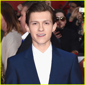 Tom Holland Goes Shirtless During Break From Filming 'Spider-Man'
