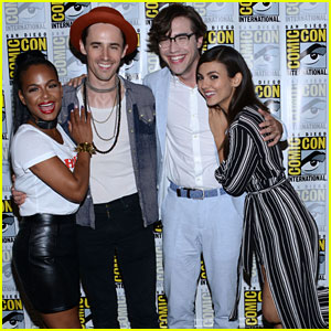 Victoria Justice & Reeve Carney Reveal 'Rocky Horror Picture Show' Premiere Date at Comic-Con