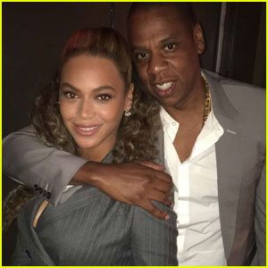 Beyonce & Jay Z Rock Matching Suits for 'Hands of Stone' Premiere