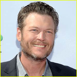Blake Shelton Apologizes for Alleged Offensive Tweets