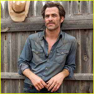Chris Pine in 'Hell or High Water' - Exclusive Photos!