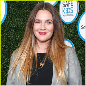 Drew Barrymore Enjoys a Game of Preseason Football!