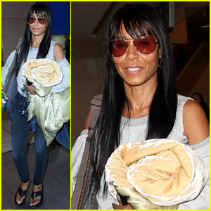 Jada Pinkett Smith Makes a Casual Arrival at LAX Airport