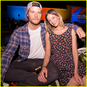 Jake McDorman & Analeigh Tipton Couple Up At 'Speed' Cinespia Screening!