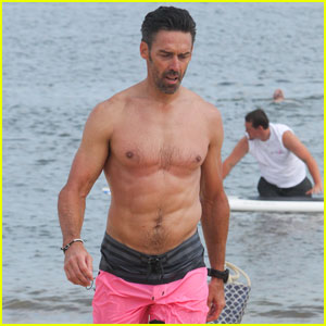 Former NFL Player Jason Sehorn Show Off Ripped Abs While Paddle Boarding for a Good Cause in the Hamptons