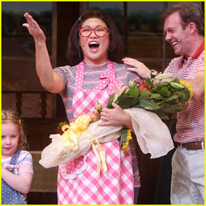 Jenna Ushkowitz Has First Curtain Call for 'Waitress' on Broadway!