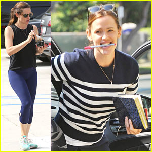 Jennifer Garner Steps Out After 'Llama Llama' Casting Announcement