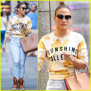 Jennifer Lopez Is Reportedly Still Talking to Casper Smart After Split