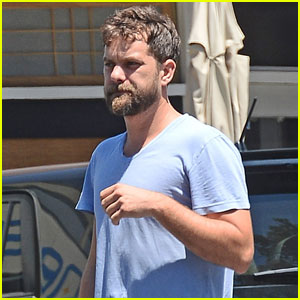 Joshua Jackson Emerges Solo Amid Diane Kruger Reconciliation Rumors