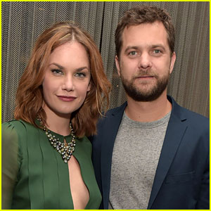 Joshua Jackson & Ruth Wilson Spend Eight Hours at Restaurant