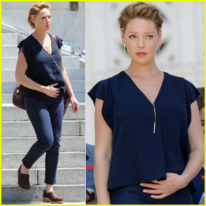 Katherine Heigl Shows Off Her Baby Bump While Filming 'Doubt'