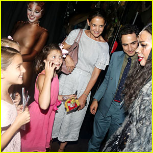 Katie Holmes Takes Daughter Suri to See 'Cats' on Broadway!