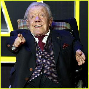 Kenny Baker Dead - 'Star Wars' Actor Behind R2-D2 Dies at 83