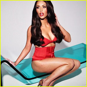 Kim Kardashian on Her Psoriasis: 'Why Cover It?'