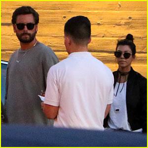 Kourtney Kardashian & Scott Disick Take the Kids to Nobu