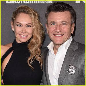 DWTS' Kym Johnson & Robert Herjavec Are Married - See Her Wedding Dress!