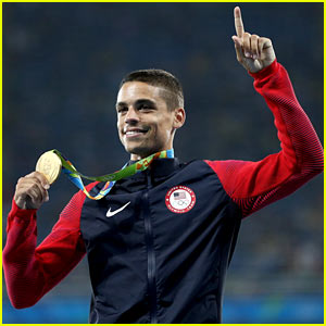Matthew Centrowitz Becomes First U.S. Athlete to Win 1500m Since 1908!