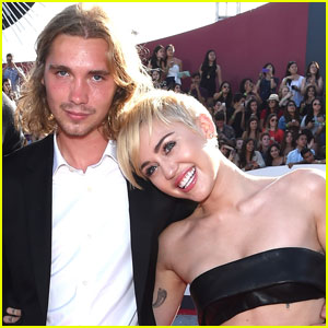 Miley Cyrus' Homeless VMA Date Is Selling Her Moonman