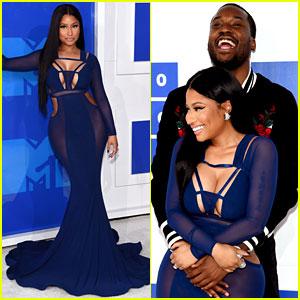 Nicki Minaj & Meek Mill Look So in Love at MTV VMAs 2016